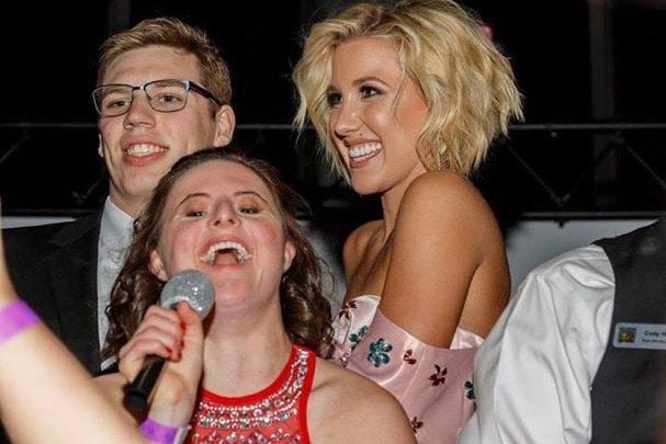 Memphis Celebrates Friendship at 2017 Best Buddies Prom